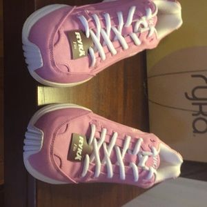 RYKa sneakers new with tag excellent condition